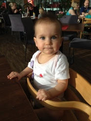Hanna beim Essen